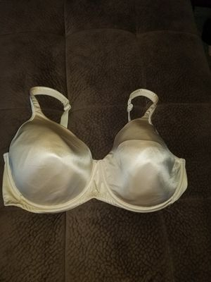 40DDD Bra Excellent Condition for Sale in Taylor, MI