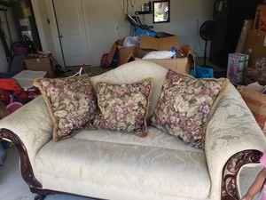 Classic sofa for Sale in Plano, TX