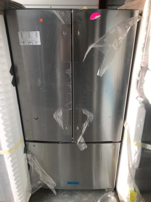 Refrigerator Kitchenaid Stainless Steel 36' 3 door counter depth. New. Warranty for Sale in Miami Lakes, FL