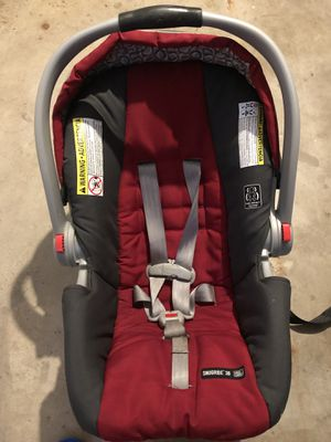 Graco infant car seat for Sale in Topeka, KS