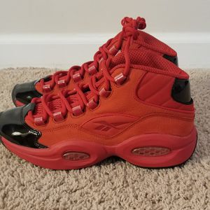 """Reebok Question Mid Big Kids """"Heart Over Hype """" for Sale in McKnight, PA"""