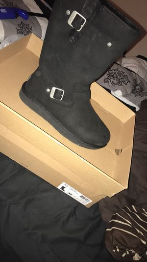 BLACK UGGS SIZE 11 (STYLE::SUTTER UGGS) for Sale in Hyattsville, MD