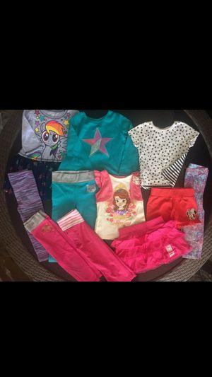 Lot of Toddler Girls T-Shirt Skirt Leggings Size 2T for Sale in Phoenix, AZ