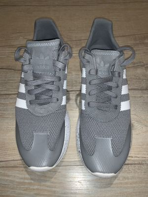 Adidas women retro size 9 1/2 for Sale in Englewood, CO