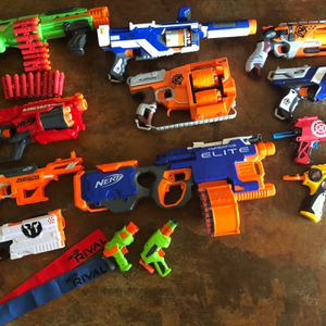 13 Nerf Guns Loaded w/250 Extra Darts! for Sale in Tempe, AZ