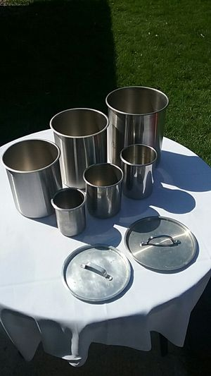 6 Stainless steel salad bar pots 2 lids for Sale in Saint Paul, MN