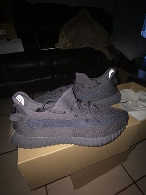 Yeezy 350 V2 Cinders size 13 DS for Sale in Los Angeles, CA