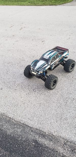 Traxxas Xmax 8s with traxxas light kit installed for Sale in Oakland Park, FL