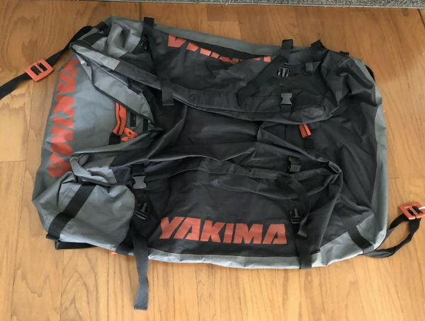 Yakima SoftTop Roof Cargo Bag GetOut Pro Bag Water-Resistant.