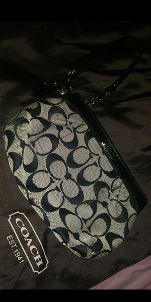Coach wallet for Sale in Montclair, CA