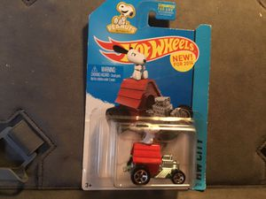 HANG ON SPOOPY ON DOG HOUSE HOTWHEEL RETIRED for Sale in San Diego, CA