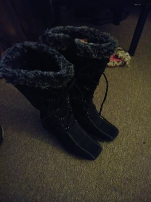 5 1/2 girl boots for Sale in Albuquerque, NM