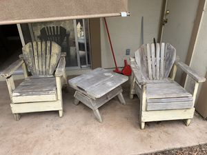 Outdoor table and chairs for Sale in Benicia, CA