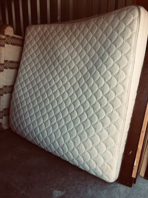 KING SIZE MATRESS for Sale in El Paso, TX