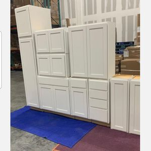 BRAND NEW KITCHEN CABINETS for Sale in Aventura, FL