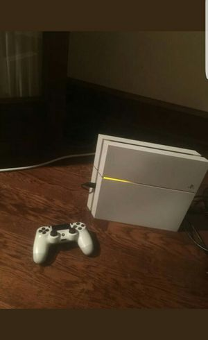 Sony Playstation 4 500GB console (Fairly Used) for Sale in Winters, TX