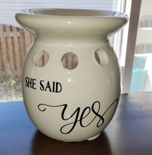 She said yes wax holders, includes wax melts and tea light for Sale in Plano, IL