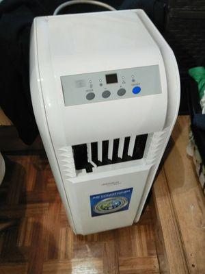 SoleUS 8000btu 250sqft portable A/C/dehumidifier/fan for Sale in Melrose, FL