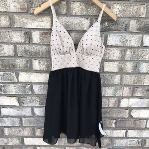 Macys Dress Beige and Black NWT fits like size 4 for Sale in Burnsville, MN