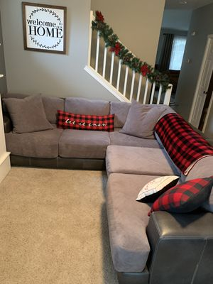 Sectional grey couch for Sale in Marysville, WA