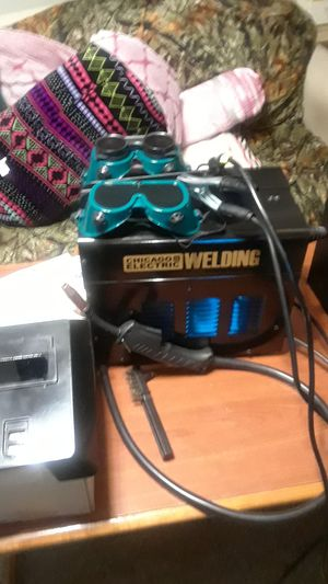 90 AMP flux wire welder no gas or Regulators required 120v variable wire speed control for Sale in Oakland Park, FL