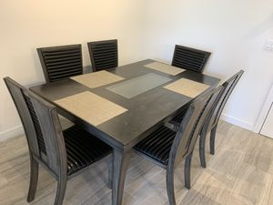 Dining table like new for Sale in Pinecrest, FL