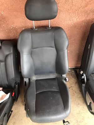 2003 Mercedes-Benz C230 passenger seat and some parts for Sale in Hawthorne, CA