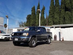 2000 NISSAN FRONTIER CREW CAB SE 4X4 for Sale in Garden Grove, CA