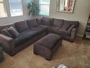 L shape sectional couch for Sale in El Dorado Hills, CA