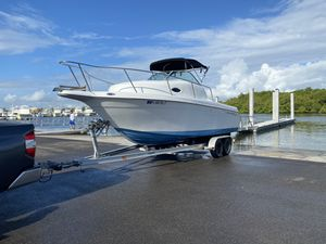 24ft walk around boat for Sale in Homestead, FL
