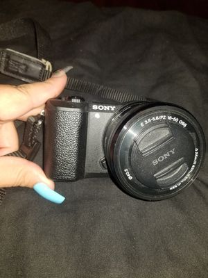 Sony Alpha a5100 for Sale in Riverdale, CA