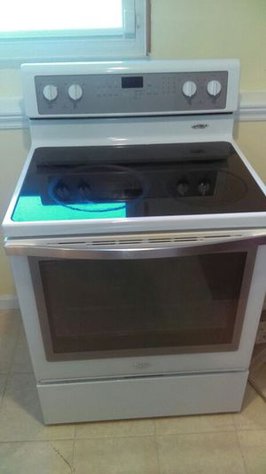 2011 whirlpool 5 burner stove for Sale in Millersville, MD