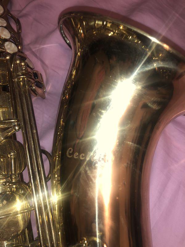 Cecilia saxophone