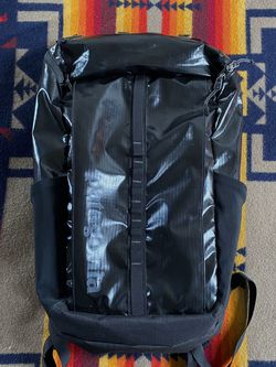Patagonia 25L Black Hole Backpack for Sale in Huntington Beach,  CA