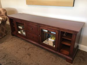 Rustic traditional tv credenza for Sale in Palm Beach Gardens, FL