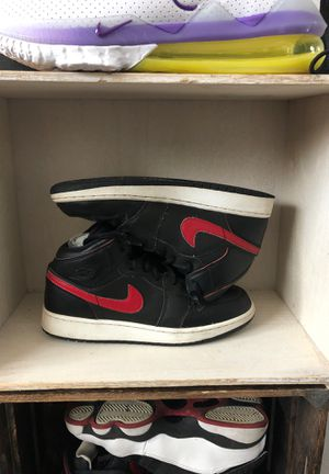 Jordan 1 Retro Mid Black Team Red for Sale in Concord, CA