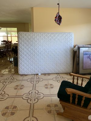 queen bed set for Sale in Georgetown, TX