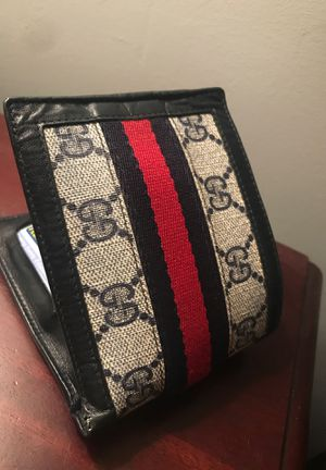 Gucci Wallet (Authentic) for Sale in Deerfield Beach, FL