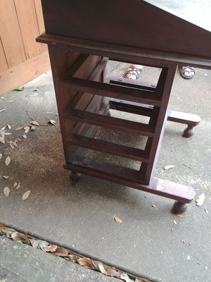 Small antique desk for Sale in Houston, TX