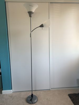 Floor lamp for Sale in Pinole, CA