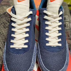 New Nike Jean Blue Tailwind 79 for Sale in Los Angeles, CA