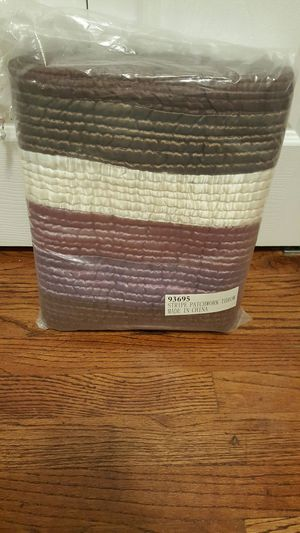 Purple striped throw blanket for Sale in Parma, OH