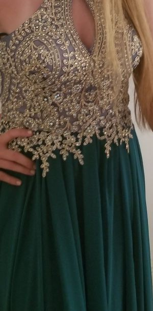 Prom Dress only worn 1 time for Sale in Lehigh Acres, FL