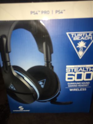 PS4 turtle beach wireless headset for Sale in Revere, MA