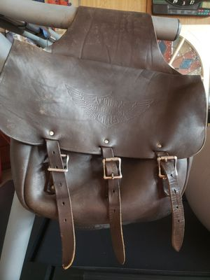 HARLEY DAVIDSON VINTAGE SOFT TAIL LEATHER DOUBLE SADDLEBAGS. EMBOSSED LOGO ON BOTH FLAPS. for Sale in Fairlawn, VA