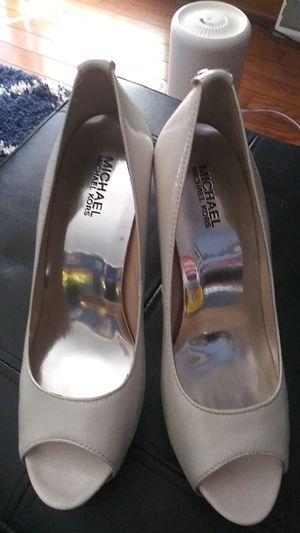 Michael Michael Kors 9m white steltto heels for Sale in Batsto, NJ