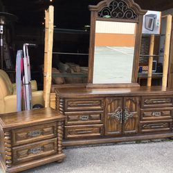 Nice Nine Drawer Dresser And Matching Nightstand - Delivery Available for Sale in Tacoma,  WA