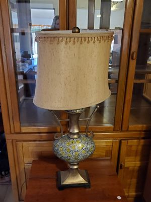 Table lamp for Sale in Thatcher, AZ
