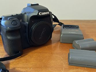 Canon 40D w/ lenses + Flash for Sale in Portland,  OR
