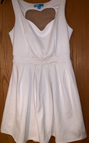 L amour white dress - size medium for Sale in Stone Park, IL